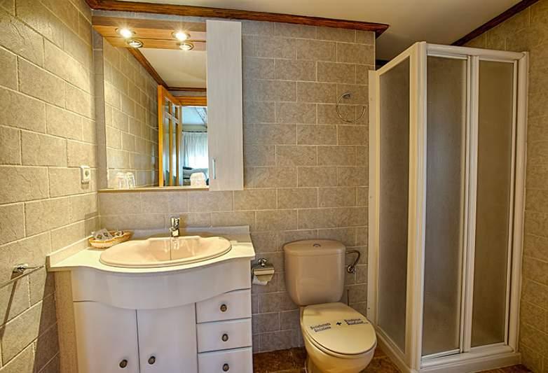 Casa Letur: Baño
